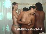 Brasilianische Schlampen lassen sich unter der Dusche ficken